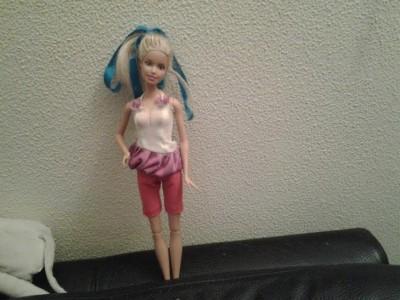 Ezt anadrágot Kis Pál Nóra készítette, az alap barbie ruha készítő csomaggal