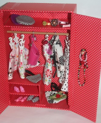 barbie szekrény