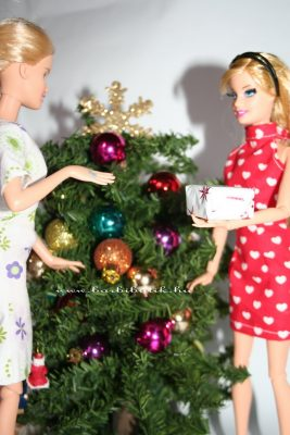 barbie ajándékozás 3