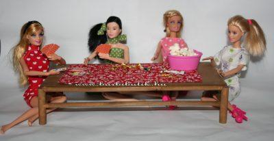 barbie kártya és popcorn