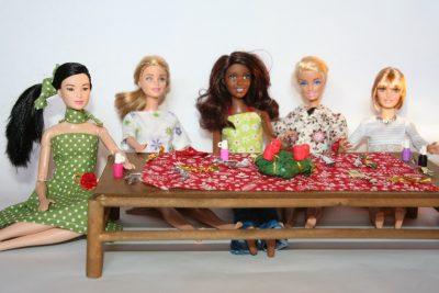 barbieknak szaloncukor