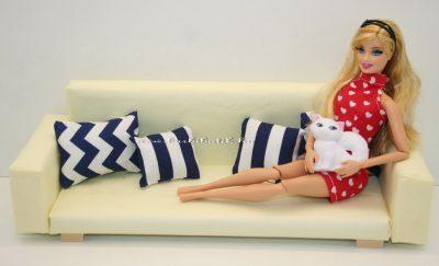 barbie kanapé cicás
