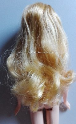 barbie szőke hullámos haj