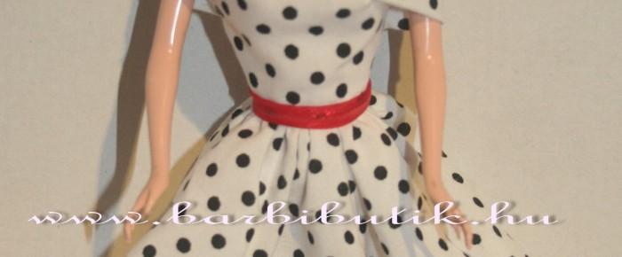 Barbie ruha díszítése: ejtett vállú ruha