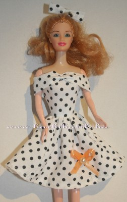 fekete fehér pöttyös ujattlan barbie ruha barack masni