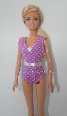 lila egyrészes barbie fürdőruha rózsával