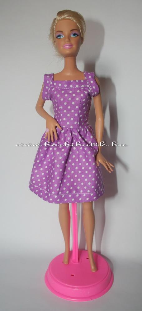 lila pöttyös barbie ruha