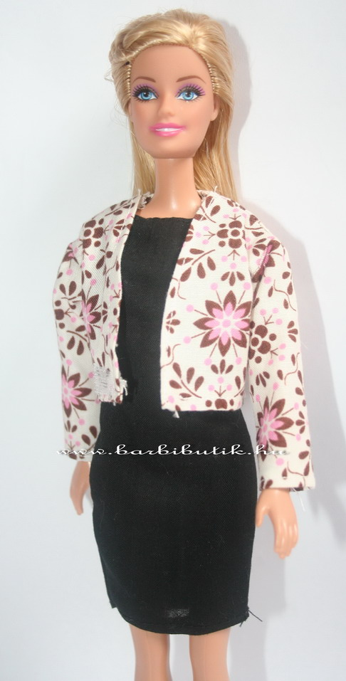 virágos barbie kabát fekete ruhával