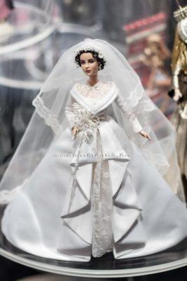Liz TaylorBarbie Esküvői ruhában