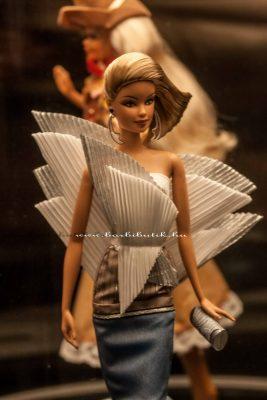 sydney barbie, kiállítás mikánó