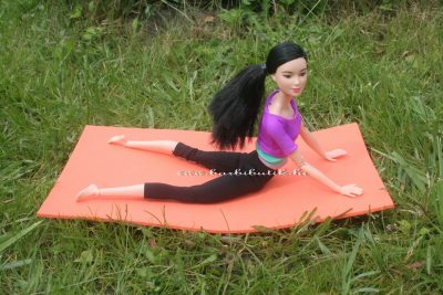jógázós barbie 4