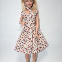 Barbie ruha készítő csomag V nyakú rózsás ruha  ac75bbe2bc