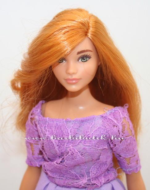 csónaknyakú lila ruha curvy barbie