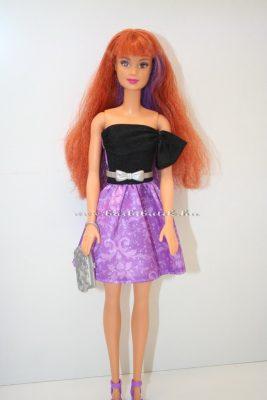 kétszínű hajú barbie baba