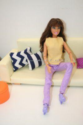 barbie cipőt próbál2