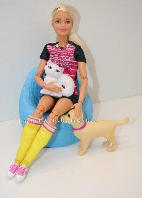 Focista Barbie az álatokkal