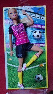 focista barbie dobozban