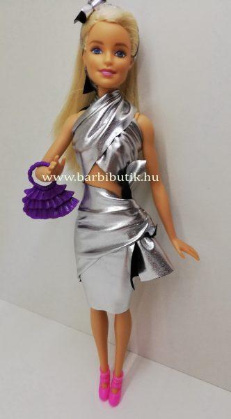latex barbie ruha varrás nélkül