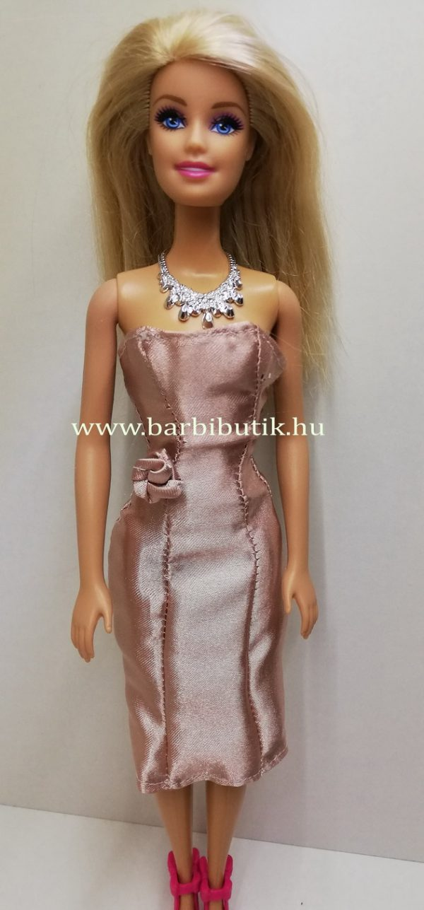 puder színű szatén estélyi barbie ruha rövid 2