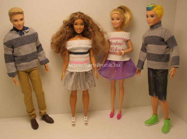 fiúk lányok zokniruhában