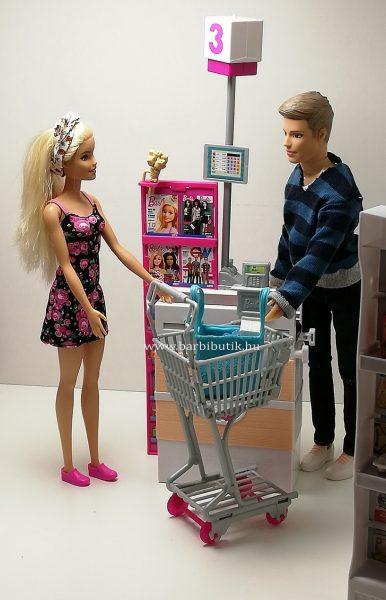 barbie bolt 17 kasszánál