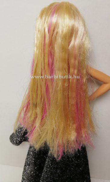 Barbie kreppelt hajjal